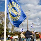 Ford and Chrysler workers get involved in GM-UAW strike