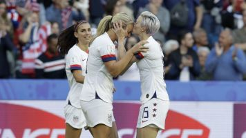 How Swede it is: USWNT wins Group F