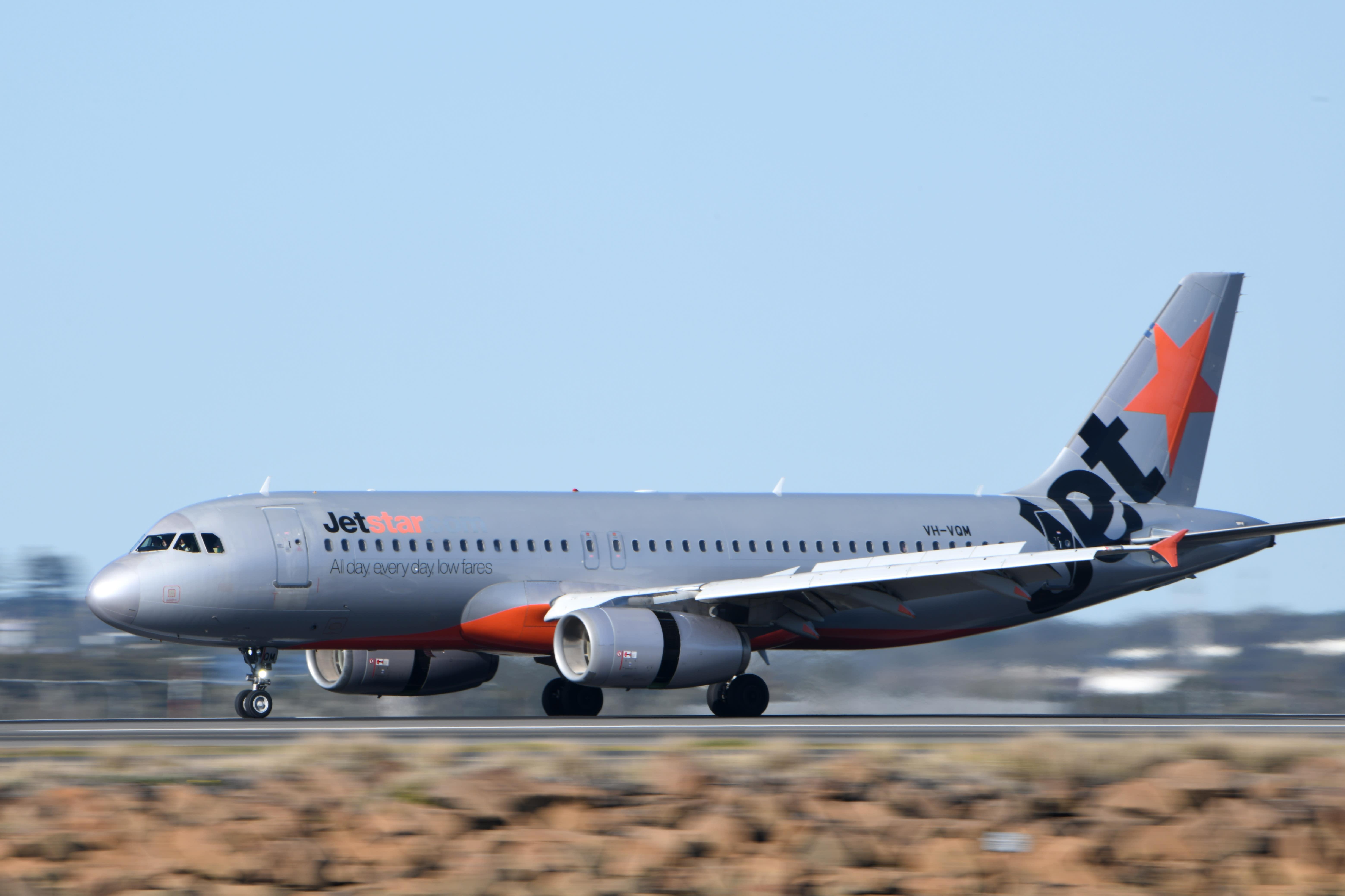 Jetstar cuts 10 per cent of Australian flights for January