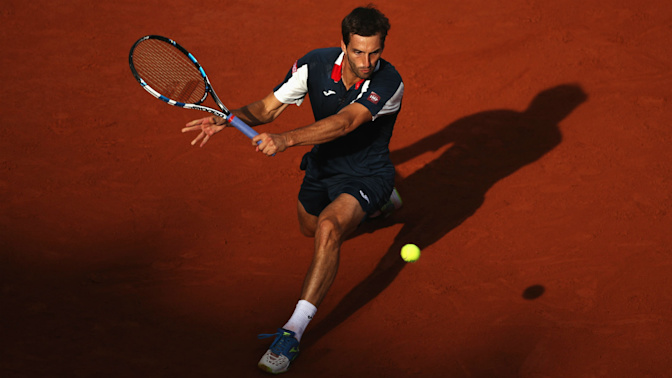 Top seeds bow out early in Hamburg