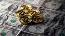 Dollar Steady, Bitcoin Surges as Futures Trading Starts