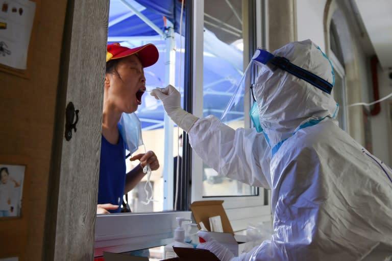 Milhões de pessoas confinadas na China para lutar contra a variante delta do coronavírus