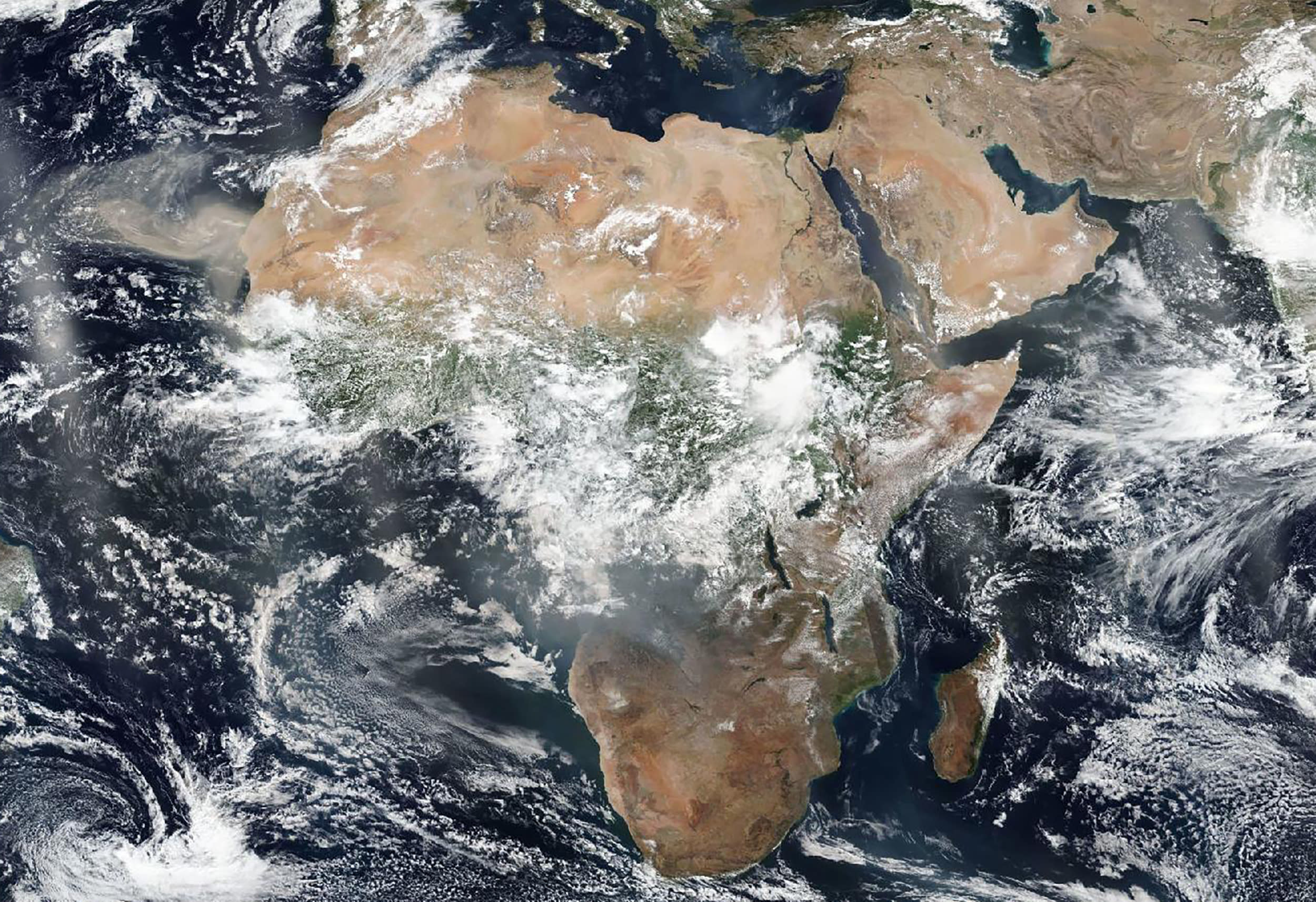 b6a206c72be9e Africa is the 'fire continent' but blazes differ from Amazon