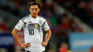 """Allemagne - La décision de Mesut Özil saluée en Turquie : """"Le plus beau but contre le virus du fascisme"""""""