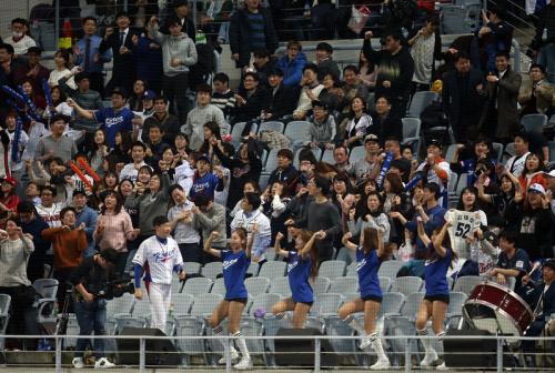 經典賽WBC 南韓球迷加油吶喊(2) (圖).