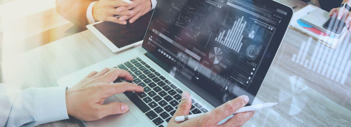 HIVE Blockchain Technologies (CVE:HIVE) Has Debt But No Earnings; Should You Worry?