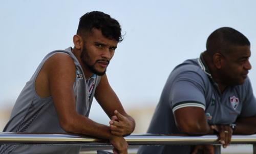 Abel Braga evita dar prazo para retorno de Gustavo Scarpa aos jogos