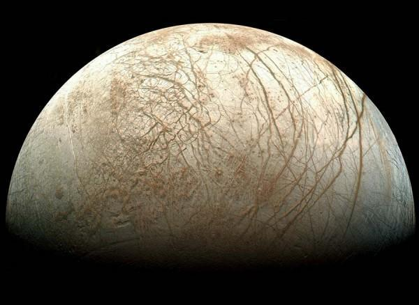 NASA looks to send landers to Europa in 2020, wants to break the ice