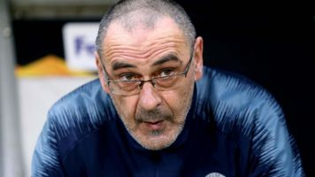 Maurizio Sarri: Napoli fans tear down former Chelsea manager's plaque in outrage at Juventus move