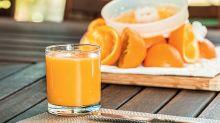 Si inietta il succo di frutta nelle vene: donna rischia la morte