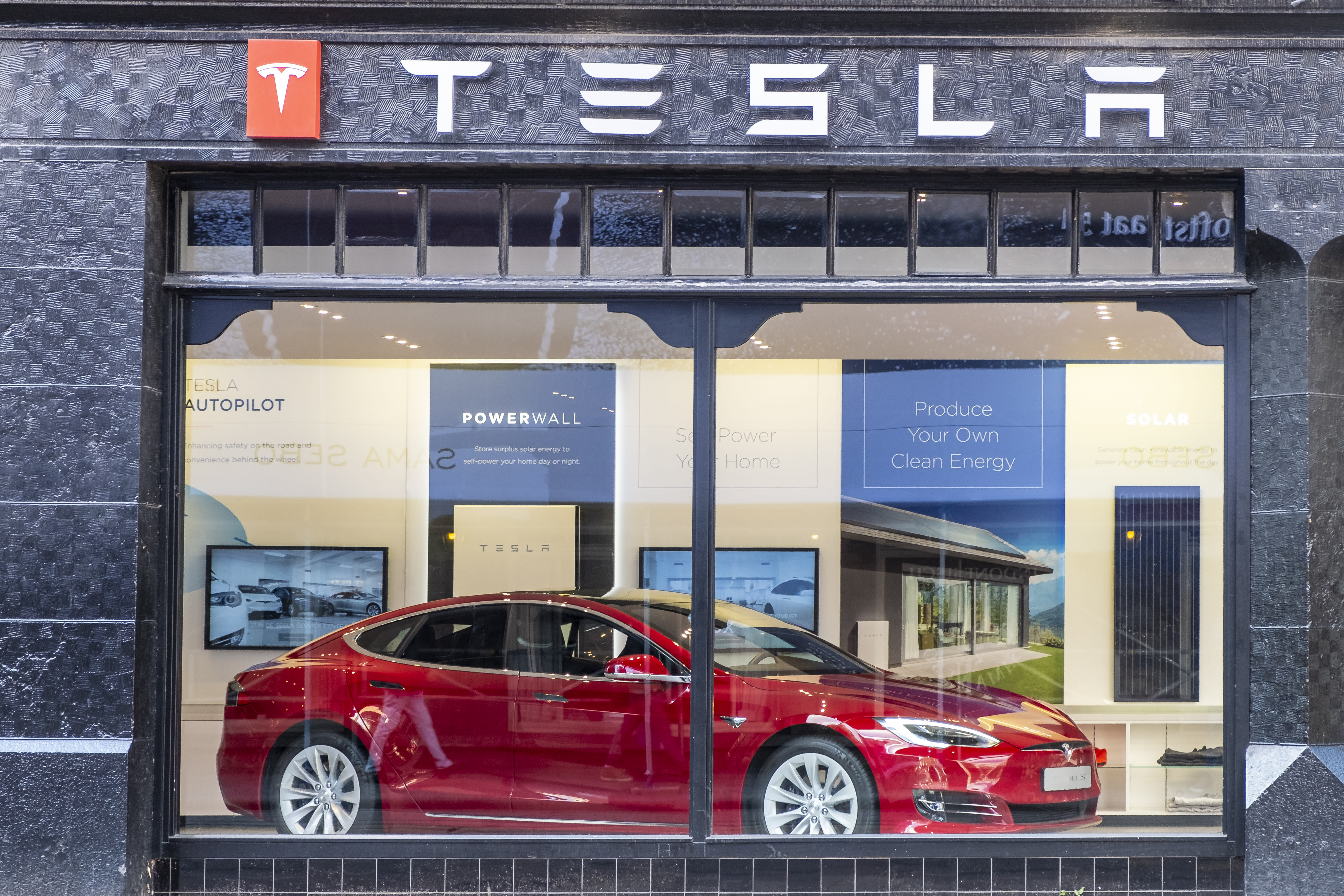 Tesla demand worries are overblown, says analyst
