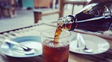 Più bibite zuccherate si bevono e prima si muore