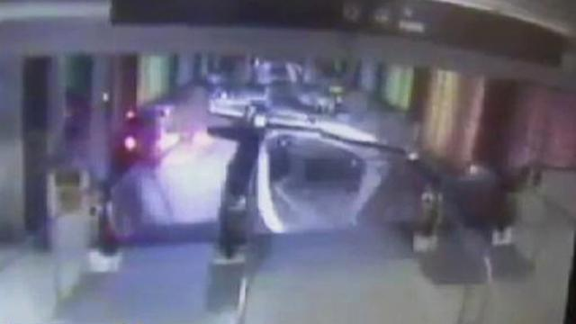 Video Appears to Show Chicago Train Derailment