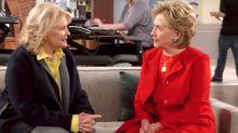 """Hilary Clinton interviene de manera sorpresa en estreno de """"Murphy Brown"""""""