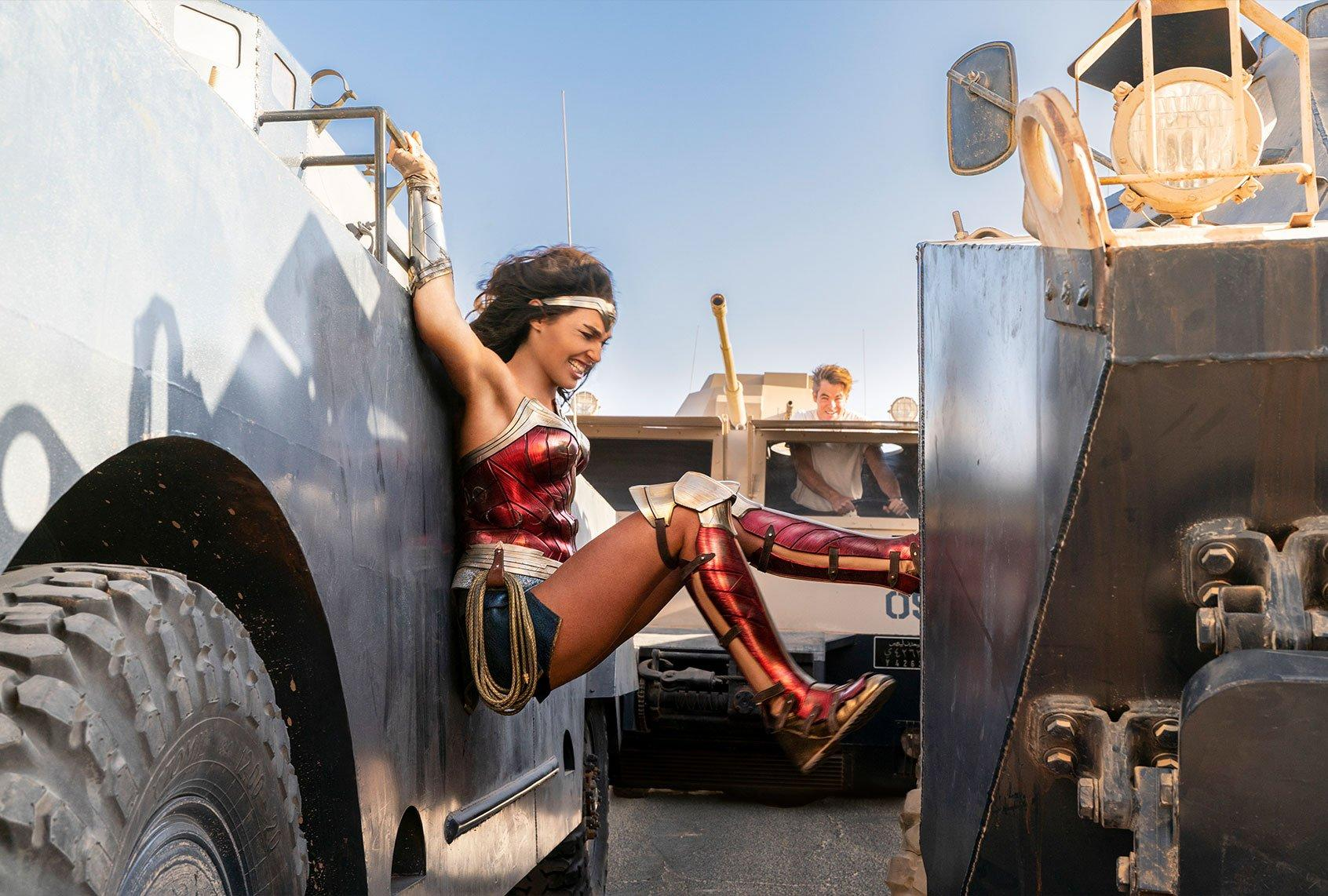 """Wonder Woman 1984"""" is """"chaotic"""" and """"delightfully cheesy"""": Reviews of this  year's superhero sequel"""