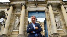 """Fin du sapin de Noël à Bordeaux : """"C'est une petite erreur de stratégie politique"""", estime un directeur de recherche au CEVIPOF"""