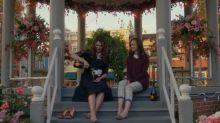 Fã de 'Gilmore Girls' é pedida em casamento no coreto icônico da série