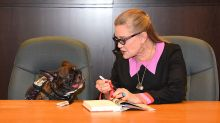 Carrie Fisher's Sweetest Public Moments With Her French Bulldog, Gary