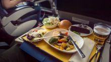 Gibt es für Flugbegleiter das gleiche Essen wie für Passagiere?