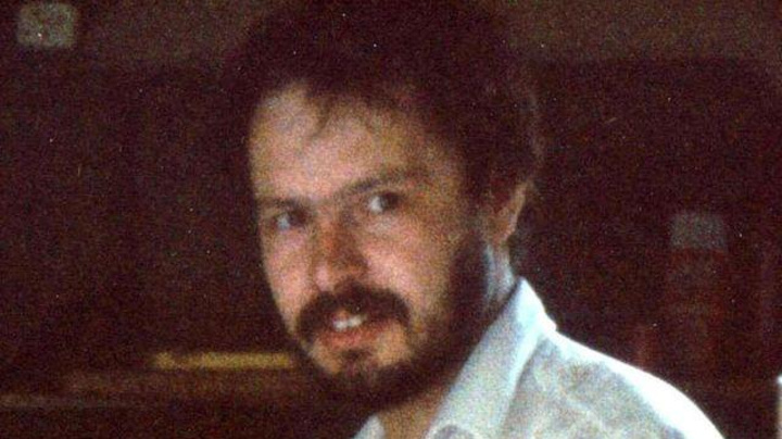 Met Police chief apologises for failings in PI murder case