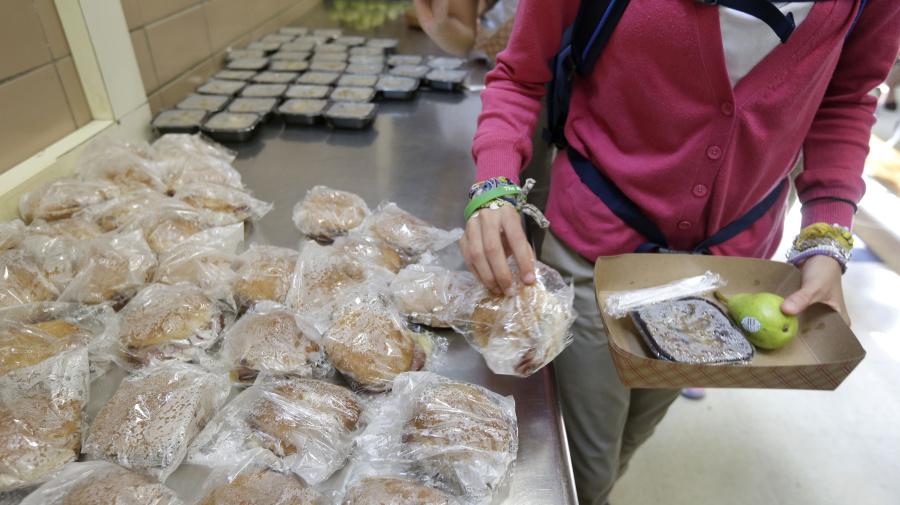 Trump administration delays food stamp cuts