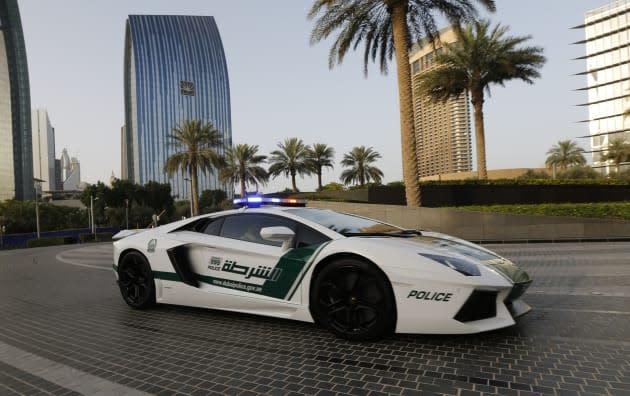 Seriously: Dubai police get Google Glass to go with their Lamborghinis