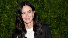 Courteney Cox Visited the Friends Apartment and Had Some Thoughts