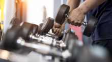 Retó a las redes sociales para inscribirse al gym… y le responden con 3 millones de comentarios