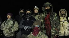 U.S. veterans build barracks for pipeline protesters in cold