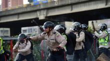 Venezuela pro-government protester dies, raising toll to 21