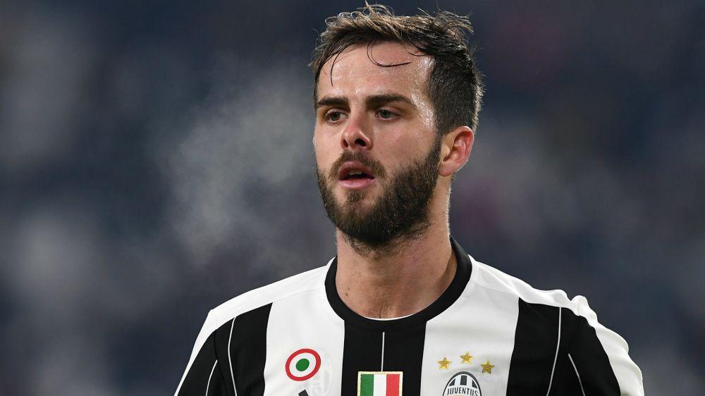 """Juventus, Pjanic polemico coi giornalisti: """"State esagerando con noi, ci state addosso"""""""