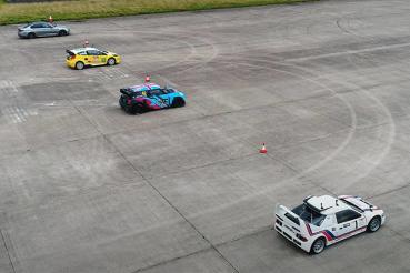 千匹BMW M5對尬三輛廠車,亮點在…!