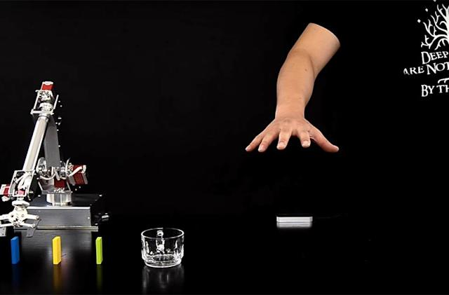 Smart robot arm can follow your lead without coding
