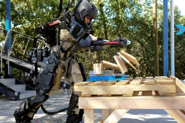 Raytheon's Sarcos XOS 2 military exoskeleton just does the heavy lifting -- for now