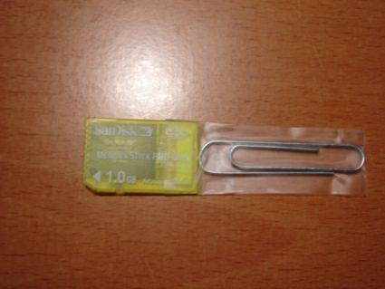 """DIY """"adapter"""" for Memory Stick PRO Duo cards"""