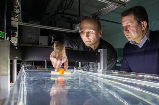 'Tractor beam' for water can pull boats in any direction