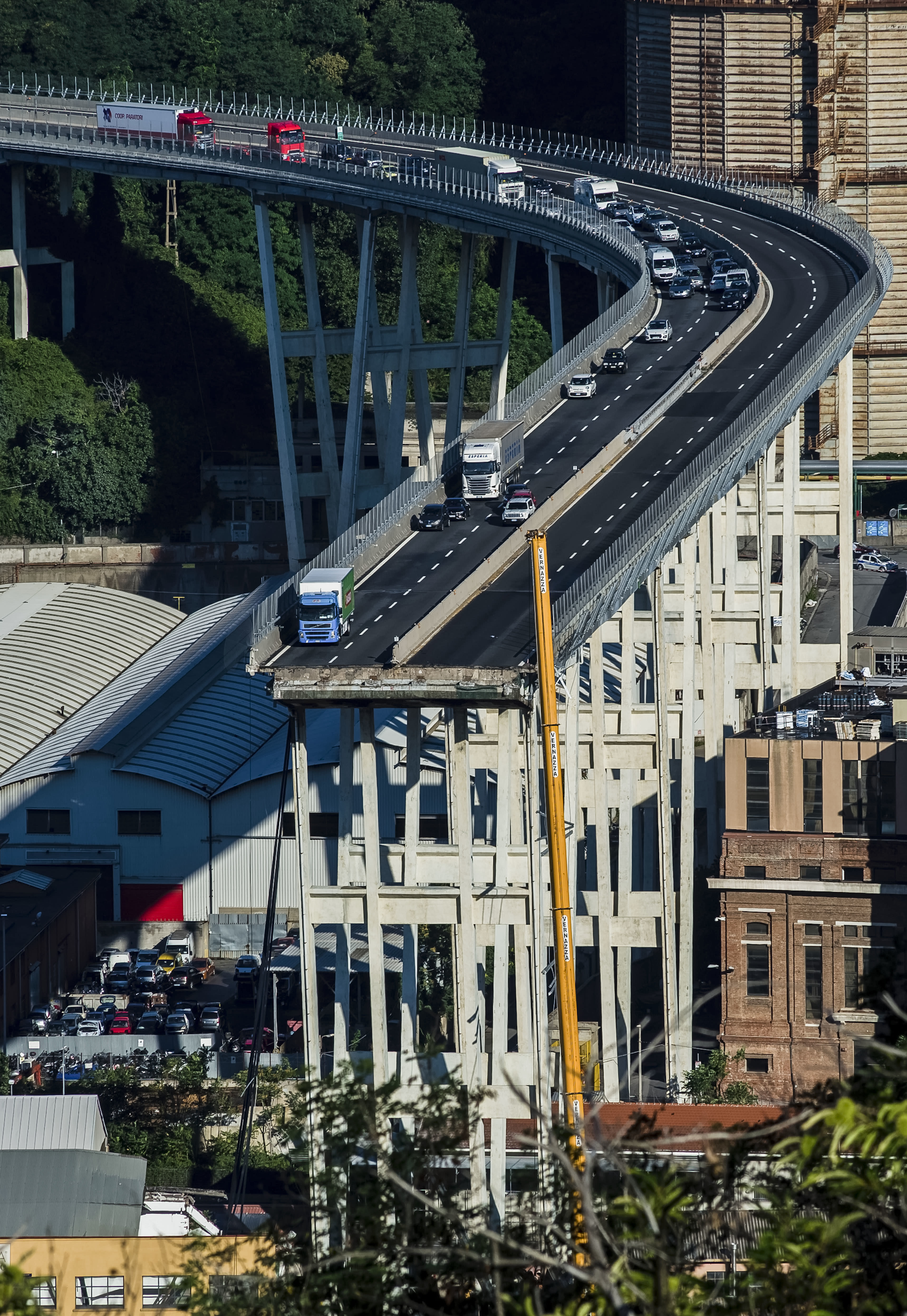 <p>A general view of the collapsed Morandi highway bridge in Genoa, northern Italy, Wednesday, Aug. 15, 2018. (Photo: Nicola Marfisi/AP) </p>