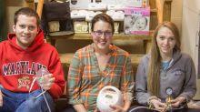 Madres donan extractores de leche para hacer respiradores