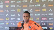 Justiça do Trabalho condena o Atlético-MG a pagar R$ 2,9 milhões ao volante Elias