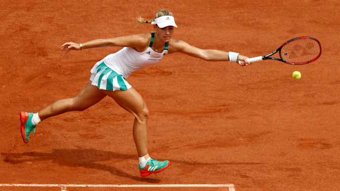 Angelique Kerber makes unwanted history with immediate Roland Garros exit