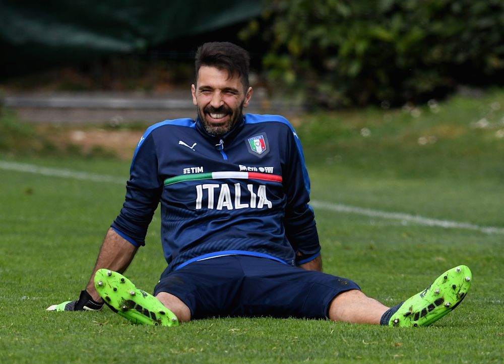 """Pirlo: """"Buffon ist zu alt für USA-Wechsel"""""""