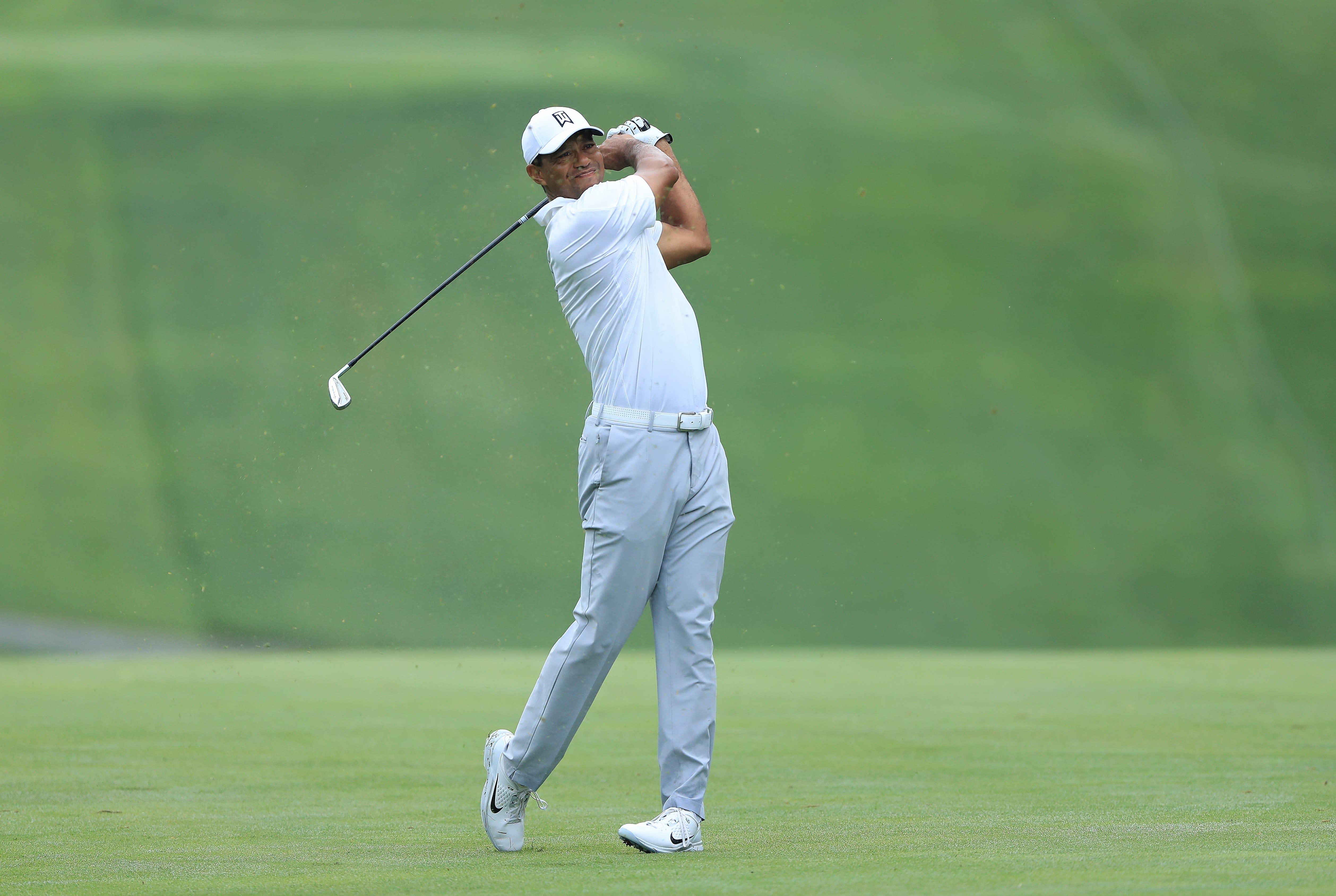 Tiger Woods Thursday live blog: Woods fights back to card even-par