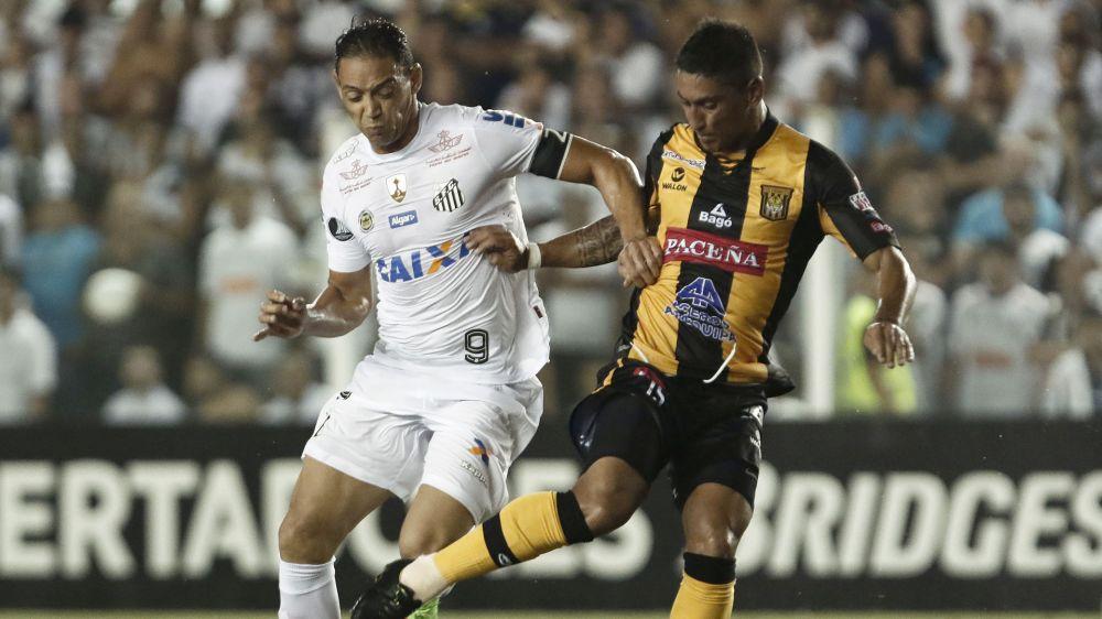 Ricardo Oliveira Luis Maldonado Santos FC The Strongest Copa Libertadores 16032017