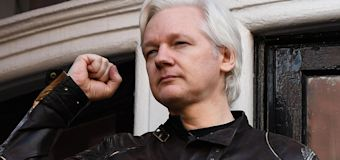 Wikileaks makes giant return, Assange says