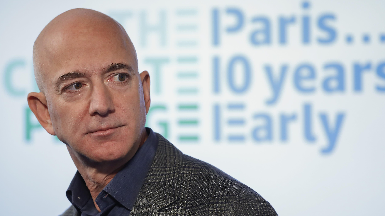 Jeff Bezos Sued for Defamation by Girlfriend Lauren