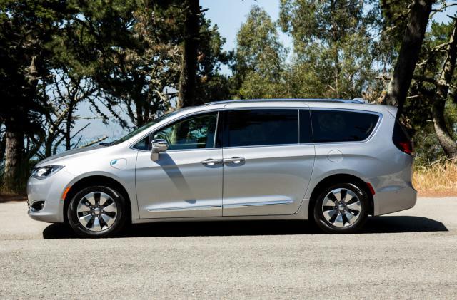 Chrysler makes a case for the hybrid minivan