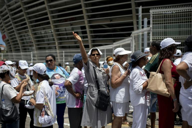 Faithful gather for the canonization ceremony of Blessed Dulce Lopes Pontes (AFP Photo/MAURO PIMENTEL)