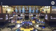 Hey, good news America: Investors are bailing on stocks