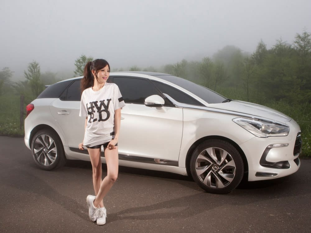 【Date With LUCY】浪漫旅人 Citroën DS 5 1.6 THP