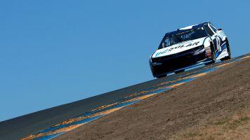 Kyle Larson wins pole at Sonoma